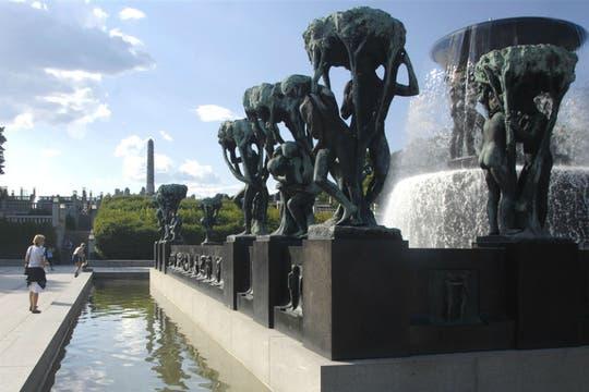 El parque Vigelandsparken, en el centro de la ciudad, posee 212 esculturas de granito y bronce. Foto: visitnorway.com