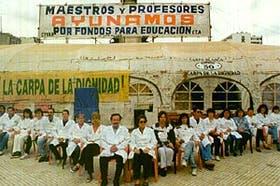 La carpa blanca, con sus maestros en ayuno, trascendió en la Argentina y llegó a todo el mundo