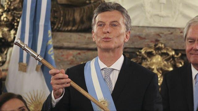 Macri se aumentó 30% el sueldo pero quiere paritarias al 25%