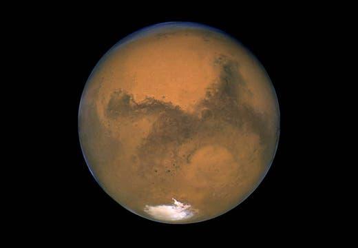 El planeta Marte tendrá durante dos años terrestres al rover Curiosity en funcionamiento. Foto: AP