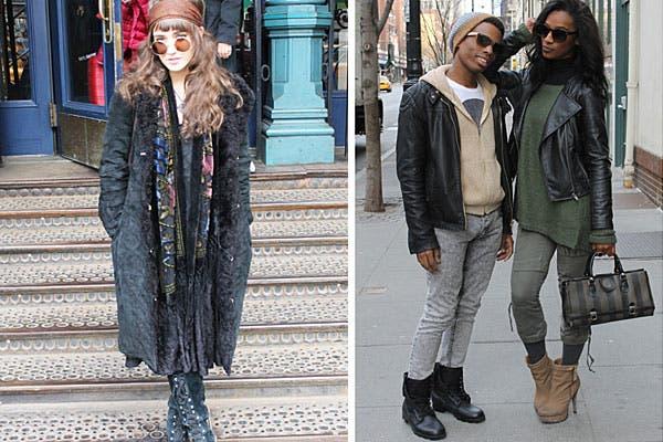 Estilo hippie con lentes Lennon, botas altas acordonadas, tapado, pashmina tipo estola y pañuelo en la cabeza. Además, una pareja con looks parecidos, con jeans, pullover y campera de cuero.