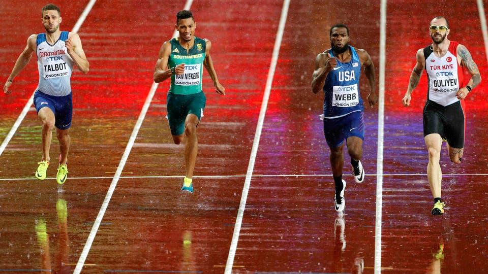 200 metros de la semifinal Ramil Guliyev de Turquía gana delante de Ameer Webb de los EE.UU. Wayde van Niekerk de Sudáfrica y Daniel Talbot De Gran Bretaña. Foto: Reuters