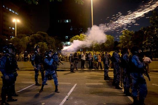 Un amplio operativo de seguridad se desplegó para contener la protesta. Foto: AFP