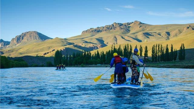 Stand up rafting: el río Limay desde otro punto de vista