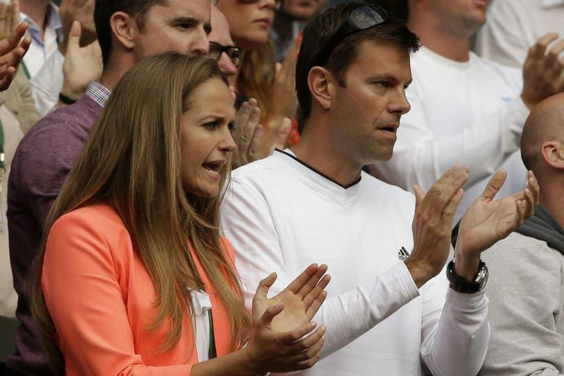 El duelo Jelena Ristic vs. Kim Sears. Foto: AP y AFP