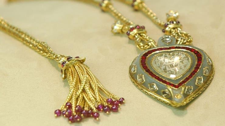 El Taj Mahal, la joya de diamantes y rubíes que Burton le regaló a Taylor cuando cumplió 40 años; fue valuada en 8,8 millones de dólares