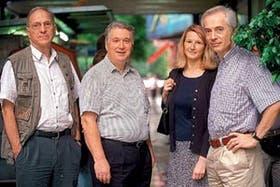 Giuseppe Gianpalmo, Livio Marelli, Marie-Elizabeth de Vel y Jean-Pol Poncelet, de la Agencia Espacial Europea
