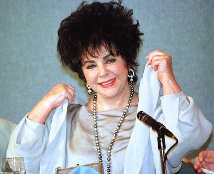 La actriz, en 1996, durante un evento de su fundación de lucha contra el Sida, la American Foundation for Adis Research.. Foto: Archivo