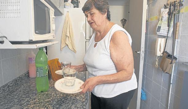 Rosa Trupo quedó ciega a los 43 años y vive sola, en el barrio de Caballito