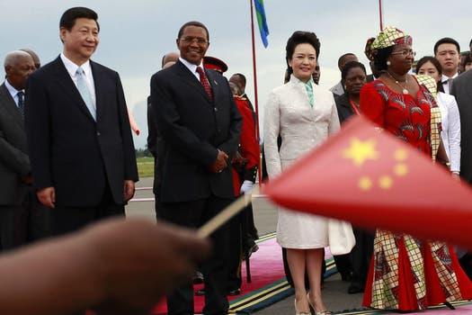 Xi Jinping  y su mujer comenzaron hoy una gira por África. Foto: Reuters