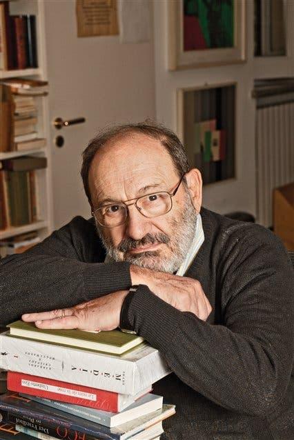 El filósofo y semiólogo en su casa de Milán, durante una entrevista con la nacion