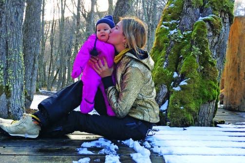 Una adorable instantánea entre madre e hija.