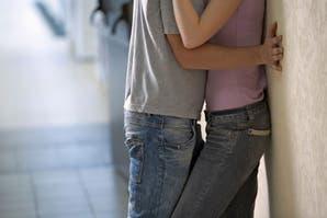 Posiciones sexuales: las mejores posturas para tener sexo lejos de la cama
