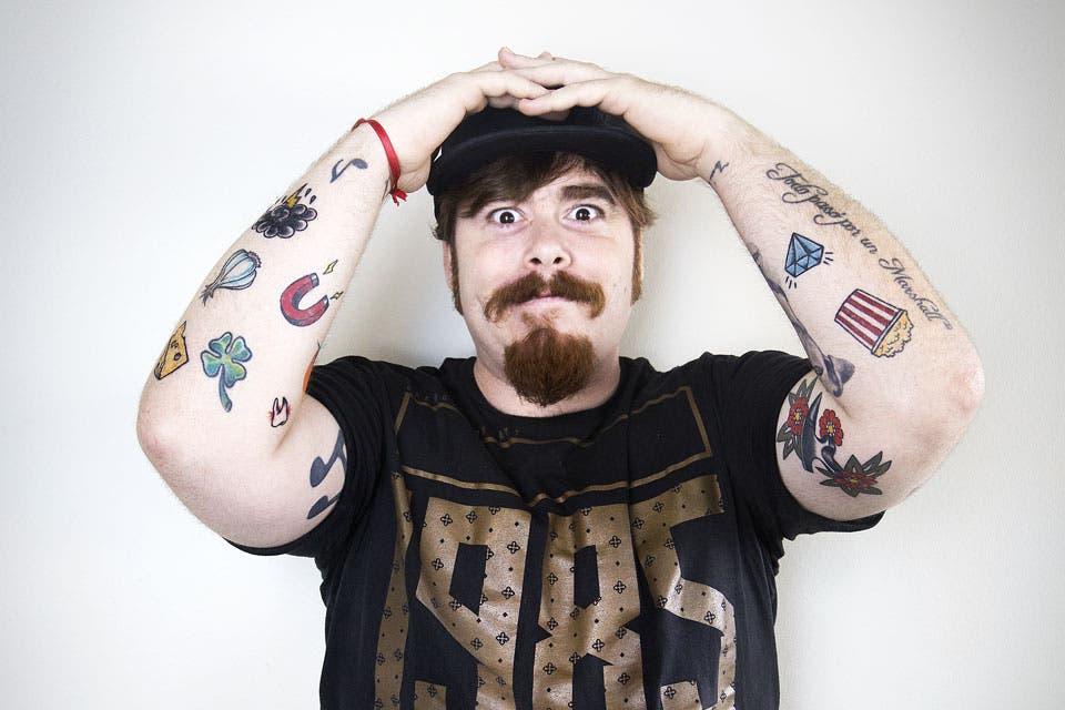 Este comediante impulsivo se hizo más de 20 tatuajes y hoy desea una segunda oportunidad para borrarlos todos, empezar de cero y elegirlos mejor.
