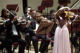 La cordobesa Lucía Luque, de 16 años, joven talento del violín que fue la invitada de la Sinfónica Nacional