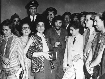Llegada de padres y hermano del Che a Cuba  en Enero de 1959. Foto: Fotografía del libro Che Guevara, la vida en juego