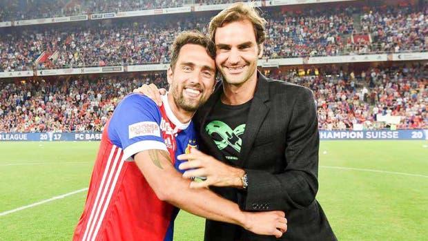 Roger Federer le escribió a Matías Delgado tras su retiro del fútbol