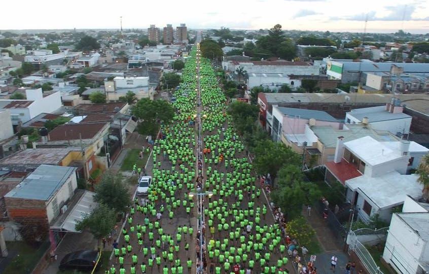 La carrera convocó a casi 4000 personas y tuvo 50.000 espectadores a lo largo del recorrido