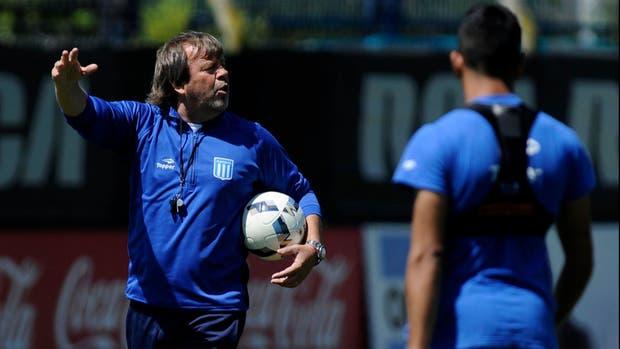 Fútbol argentino: Racing golea a Independiente