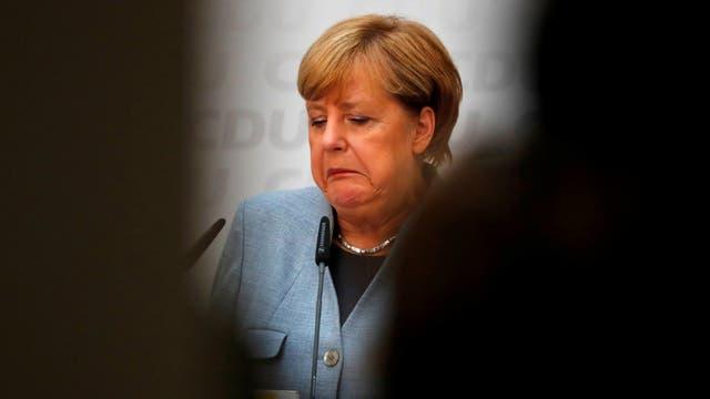 El desconcierto y la preocupación se expresan en la cara de la canciller alemana