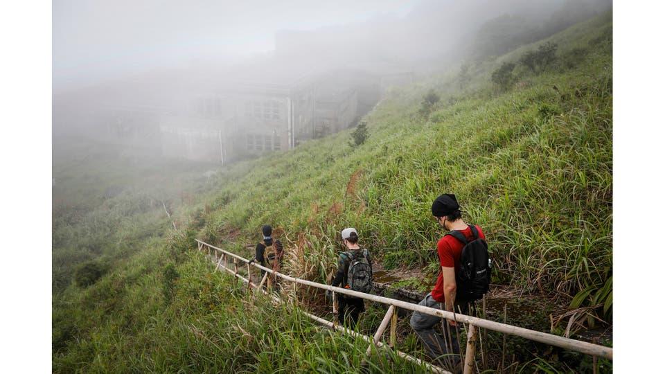 HK URBEX llegando a un cuartel abandonado del ejército británico en Hong Kong