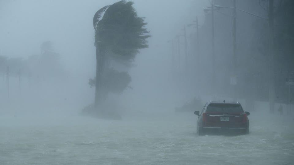 Irma, uno de los huracanes más poderosos jamás vistos, golpeó Florida con intensas lluvias y ráfagas de viento de más de 200 km por hora