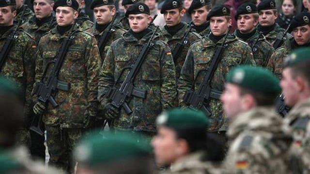 El sonido de las botas de los soldados significaba lo mismo en todas partes porque el terror de la tortura era universal