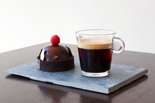 Dark Chocolate & Raspberry Dome, se degustará con el Pure Origin Rosabaya de Colombia.