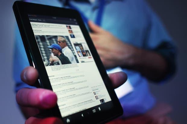 En el mundo móvil, cada compañía busca posicionar su propio acceso a la Web, y así Amazon desarrolló Silk, su propio navegador para su serie de dispositivos Kindle Fire