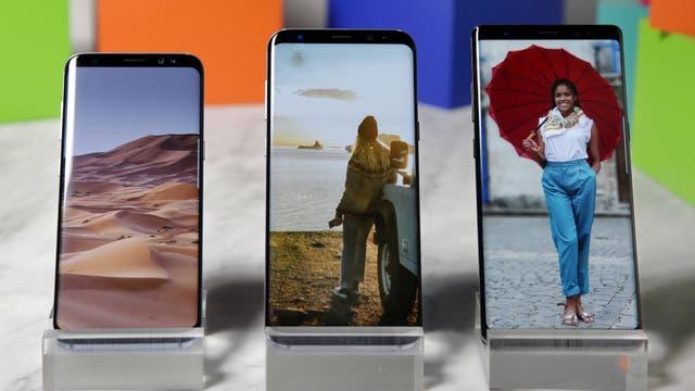 De izquierda a derecha, el Galaxy S8, Galaxy S8+ y el flamante Galaxy Note 8