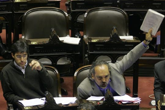 El diputado Fernando Iglesias eleva su discurso en el recinto. Foto: DyN