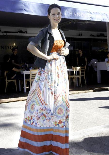 Paula Colombini se sumó a la onda de los maxi vestidos.