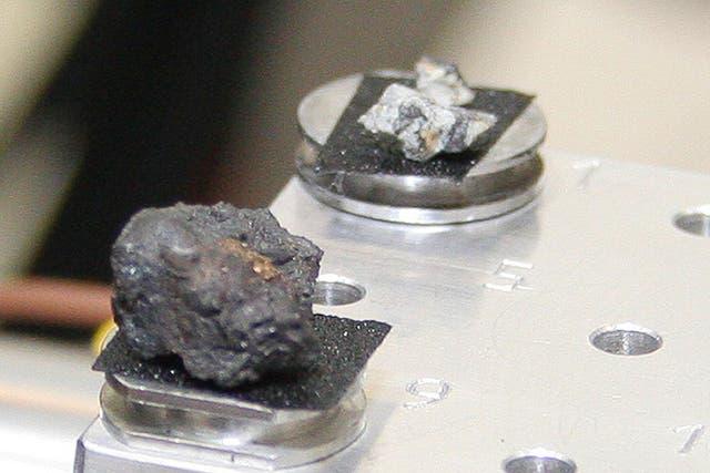 Los fragmentos son investigados por las autoridades científicas