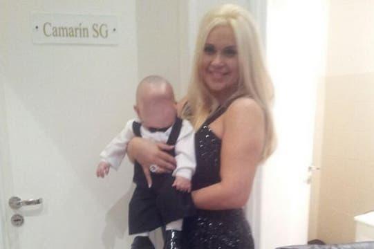 La ex novia de Maradona también mostró una foto donde junto al camarín de Susana Giménez. Foto: Twitter Verónica Ojeda
