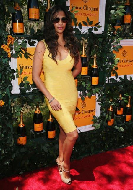 Camila Alves deslumbró con sus curvas y un vestido amarillo súper sexy. Foto: /Gza. Feedback PR