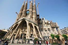 Concebida inicialmente como una obra neogótica, la Sagrada Familia terminó siendo una de las grandes obras del modernismo