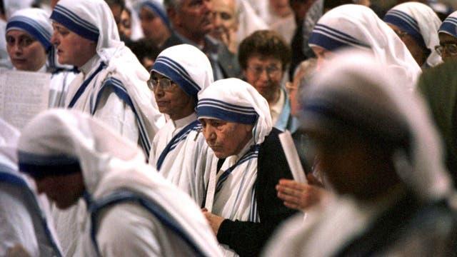 La Madre Teresa en una ceremonia en Roma