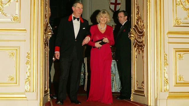 El 10 de febrero de 2005 en el Castillo de Windsor, Inglaterra, después del anuncio de su compromiso