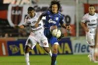 Atlético empató en Paraná ante Patronato y se afianzó como líder