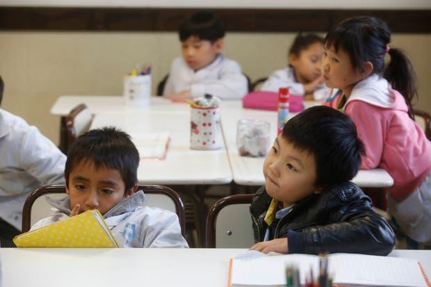 Desde preescolar, los alumnos aprenden simultáneamente ambas lenguas