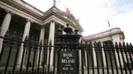 Los irlandeses confiaron entre ellos para mantener la emisión de cheques que nunca se cobraban