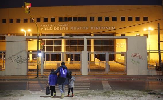 Laferrère. El Hospital Presidente Néstor Kirchner, inaugurado 10 días antes de las elecciones de octubre de 2011, hasta ahora nunca funcionó; el sistema de salud pública de La Matanza está colapsado. Foto: Fabián Marelli