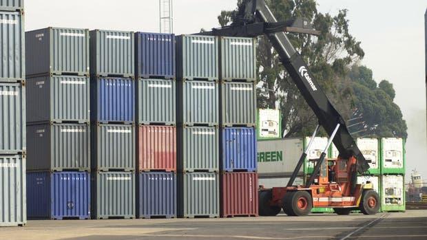 Complican a tres directivos vinculados con la mafia de los contenedores