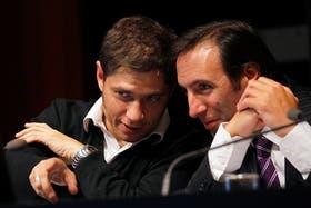 Kicillof junto a Lorenzino, ayer durante los nuevos anuncios económicos