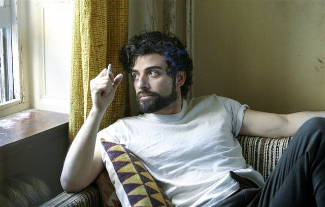 Oscar Isaac en Balada de un hombre común, de los hermanos Coen