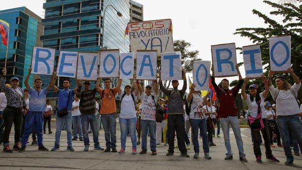 Comienza la Toma de Caracas entre obstáculos revolucionarios. Foto: Reuters / Marco Bello