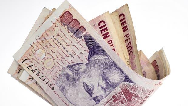 El peso, entre las monedas que más se apreciaron en términos reales frente al dólar