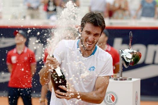 Leo Mayer le ganó a David Ferrer y se quedó con el título de Hamburgo. Foto: AFP