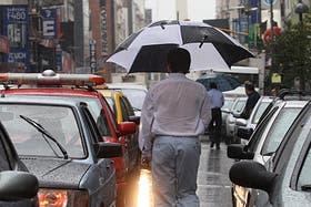 Caos de tránsito en la ciudad por las lluvias intensas