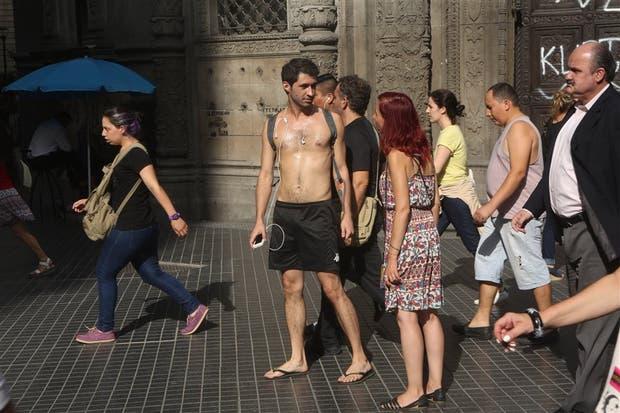 Argentina: Rigen en Buenos Aires una alerta roja por ola de calor